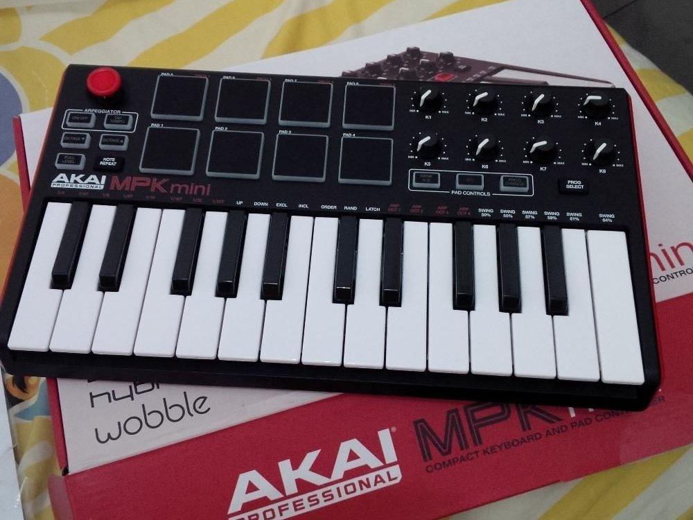 akai mpk mini mk2 review don 39 t buy it until you read this. Black Bedroom Furniture Sets. Home Design Ideas